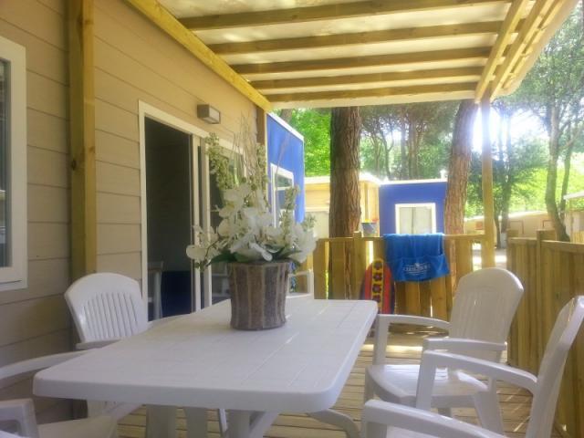 Adriano camping village ravenna da 52 al giorno pepemare for Fantastici disegni di bungalow
