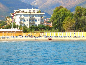 Уютные курортные квартиры на берегу моря в Чериале