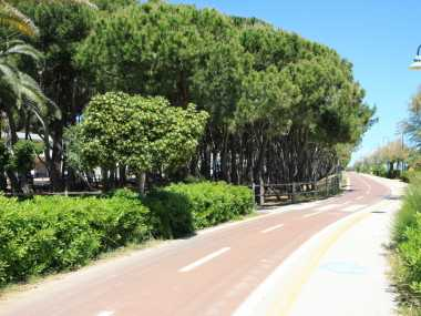 Tortoreto Lido: Promenade und Strand