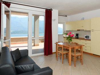 Уютные курортные квартиры на озере Комо, в Веркана, ориентированные на семьи с детьми