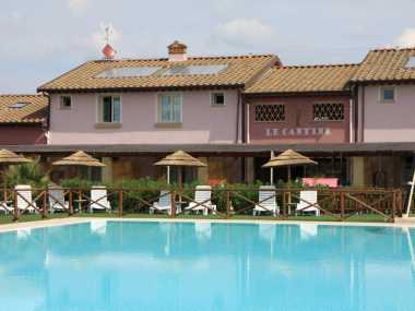 Плавательный бассейн и ресторан