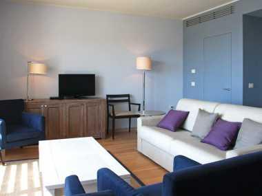 PRESTIGE CLASSIC SUITE (апартамент типа ночлег и завтрак, от 2 до 4 человека)