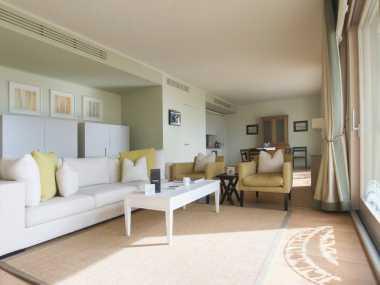 DELUXE SEA VIEW SUITE (апартамент типа ночлег и завтрак, от 4 до 6 человека)