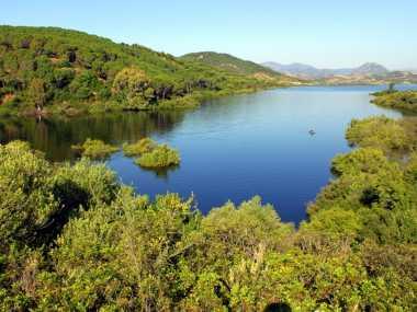 Lago diga Maccheronis